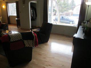 Photo 2: 11323 130 Street in Edmonton: Zone 07 House for sale : MLS®# E4180763