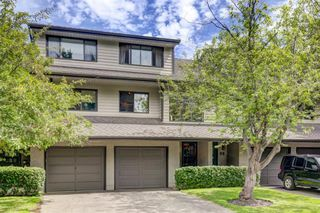 Main Photo: 100 POINT Drive NW in Calgary: Point McKay Row/Townhouse for sale : MLS®# A1013068