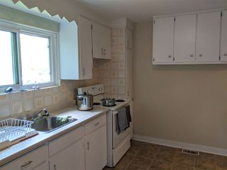 Photo 3: 88 Adelaide Avenue in Halifax: 6-Fairview Multi-Family for sale (Halifax-Dartmouth)  : MLS®# 202015564