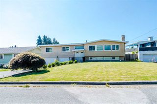 Photo 3: 7177 PAULUS Crescent in Burnaby: Montecito House for sale (Burnaby North)  : MLS®# R2493565