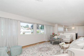 Photo 5: 7177 PAULUS Crescent in Burnaby: Montecito House for sale (Burnaby North)  : MLS®# R2493565