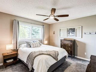 Photo 16: 60 WOODMONT Rise SW in Calgary: Woodbine Detached for sale : MLS®# A1031558