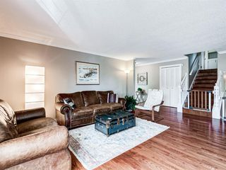 Photo 5: 60 WOODMONT Rise SW in Calgary: Woodbine Detached for sale : MLS®# A1031558