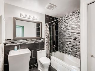 Photo 22: 60 WOODMONT Rise SW in Calgary: Woodbine Detached for sale : MLS®# A1031558