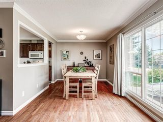 Photo 8: 60 WOODMONT Rise SW in Calgary: Woodbine Detached for sale : MLS®# A1031558
