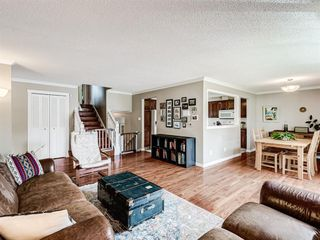 Photo 4: 60 WOODMONT Rise SW in Calgary: Woodbine Detached for sale : MLS®# A1031558