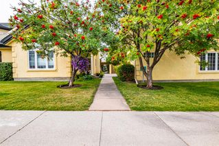 Main Photo: 3215 2 Street NW in Calgary: Mount Pleasant Row/Townhouse for sale : MLS®# A1035633