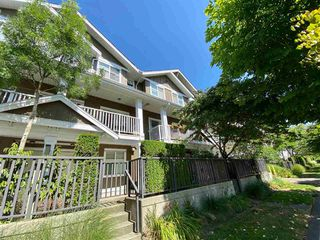 "Photo 2: 139 935 EWEN Avenue in New Westminster: Queensborough Townhouse for sale in ""Coopers Landing"" : MLS®# R2504151"