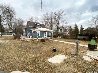 Photo 3: 211 Aberdeen Street in Elbow: Residential for sale : MLS®# SK831414