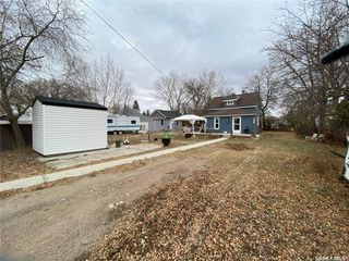 Photo 2: 211 Aberdeen Street in Elbow: Residential for sale : MLS®# SK831414
