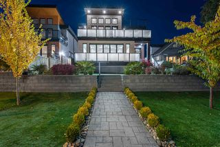 Photo 1: 1053B ROCHESTER Avenue in Coquitlam: Central Coquitlam House for sale : MLS®# R2514477