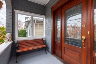 Photo 1: 120 24 Avenue in Vancouver: Main House for sale (Vancouver East)  : MLS®# R2419469