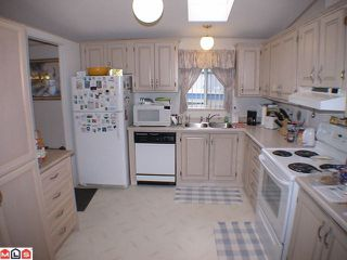 "Photo 5: 41 24330 FRASER Highway in Langley: Otter District Manufactured Home for sale in ""LANGLEY GROVE ESTATES"" : MLS®# F1107918"