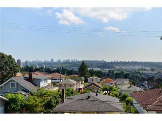 "Photo 7: 4 3828 PENDER Street in Burnaby: Vancouver Heights Townhouse for sale in """"The Heights"""" (Burnaby North)  : MLS®# V906615"