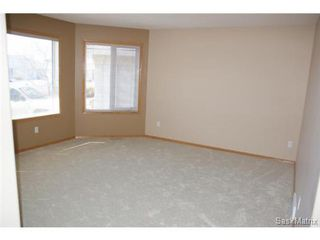 Photo 8: 1554 DEWDNEY Bay in Regina: East Pointe Estates Condominium for sale (Regina Area 04)  : MLS®# 492281