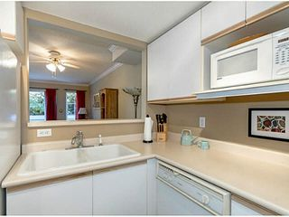 """Photo 6: 23 270 CASEY Street in Coquitlam: Maillardville Townhouse for sale in """"CHATEAU LAVAL"""" : MLS®# V1088922"""