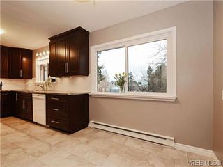 Photo 14: 8 864 Swan St in VICTORIA: SE Swan Lake Row/Townhouse for sale (Saanich East)  : MLS®# 696019