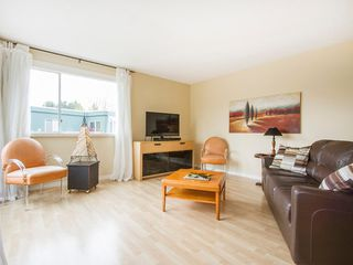 "Photo 2: 303 1540 MARINER Walk in Vancouver: False Creek Condo for sale in ""MARINER POINT"" (Vancouver West)  : MLS®# V1121673"
