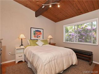 Photo 9: VICTORIA REAL ESTATE For Sale = QUADRA HOME For Sale SOLD With Ann Watley