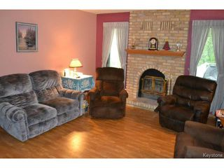 Photo 10: 643 Isbister Street in WINNIPEG: Westwood / Crestview Residential for sale (West Winnipeg)  : MLS®# 1515620
