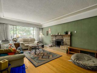 Photo 2: 2298 E 27TH Avenue in Vancouver: Victoria VE House for sale (Vancouver East)  : MLS®# V1127725