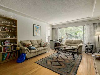 Photo 4: 2298 E 27TH Avenue in Vancouver: Victoria VE House for sale (Vancouver East)  : MLS®# V1127725
