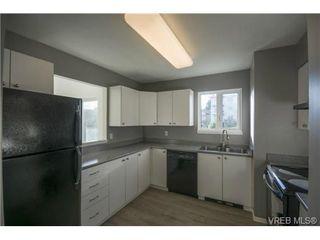 Photo 8: 403 2710 Grosvenor Rd in VICTORIA: Vi Oaklands Condo Apartment for sale (Victoria)  : MLS®# 717135