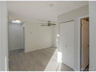 Photo 5: 403 2710 Grosvenor Rd in VICTORIA: Vi Oaklands Condo for sale (Victoria)  : MLS®# 717135
