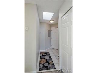 Photo 16: 403 2710 Grosvenor Rd in VICTORIA: Vi Oaklands Condo Apartment for sale (Victoria)  : MLS®# 717135