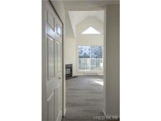 Photo 18: 403 2710 Grosvenor Rd in VICTORIA: Vi Oaklands Condo Apartment for sale (Victoria)  : MLS®# 717135