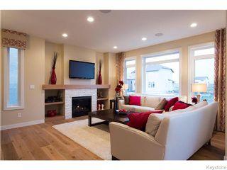 Photo 3: 121 Larry Vickar Drive West in Winnipeg: Transcona Residential for sale (North East Winnipeg)  : MLS®# 1604905