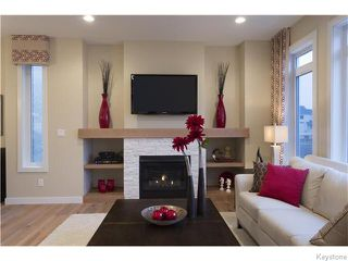 Photo 4: 121 Larry Vickar Drive West in Winnipeg: Transcona Residential for sale (North East Winnipeg)  : MLS®# 1604905