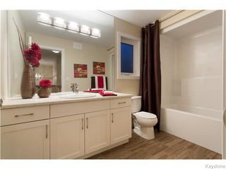 Photo 15: 121 Larry Vickar Drive West in Winnipeg: Transcona Residential for sale (North East Winnipeg)  : MLS®# 1604905