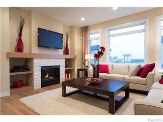 Photo 2: 121 Larry Vickar Drive West in Winnipeg: Transcona Residential for sale (North East Winnipeg)  : MLS®# 1604905