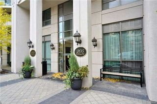 Photo 1: 111 205 W The Donway Way in Toronto: Banbury-Don Mills Condo for sale (Toronto C13)  : MLS®# C3452671
