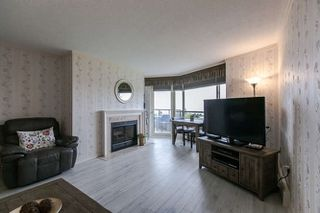"Photo 2: 702 15111 RUSSELL Avenue: White Rock Condo for sale in ""PACIFIC TERRAC"" (South Surrey White Rock)  : MLS®# R2057182"