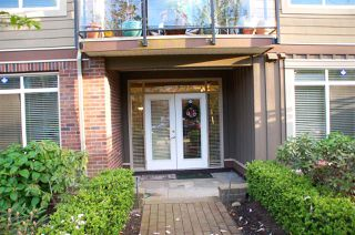 Photo 2: 106 15368 17A Avenue in Surrey: King George Corridor Condo for sale (South Surrey White Rock)  : MLS®# R2062666