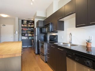 "Photo 10: 405 205 E 10TH Avenue in Vancouver: Mount Pleasant VE Condo for sale in ""THE HUB"" (Vancouver East)  : MLS®# R2064198"