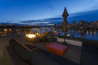 "Photo 3: 1013 456 MOBERLY Road in Vancouver: False Creek Condo for sale in ""Pacific Cove"" (Vancouver West)  : MLS®# R2079923"
