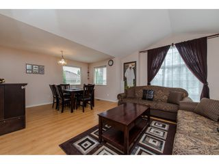 Photo 2: 31879 BLUERIDGE Drive in Abbotsford: Abbotsford West House for sale : MLS®# R2088168