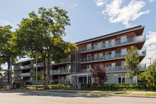 """Photo 1: 401 7377 14TH Avenue in Burnaby: Edmonds BE Condo for sale in """"VIBE"""" (Burnaby East)  : MLS®# R2089853"""