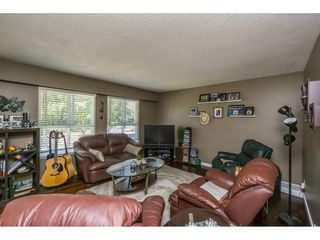 Photo 3: 3462 ETON Crescent in Abbotsford: Abbotsford East House for sale : MLS®# R2100252