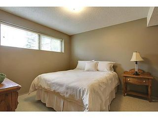 Photo 15: 6135 LONGMOOR Way SW in Calgary: Bi-Level for sale : MLS®# C3584023