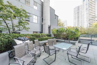 "Photo 15: 1405 928 RICHARDS Street in Vancouver: Yaletown Condo for sale in ""SAVOY"" (Vancouver West)  : MLS®# R2107849"
