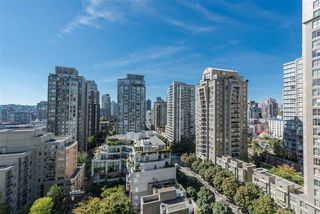 "Photo 11: 1405 928 RICHARDS Street in Vancouver: Yaletown Condo for sale in ""SAVOY"" (Vancouver West)  : MLS®# R2107849"