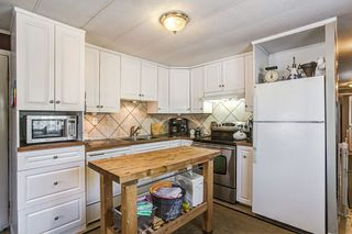 Photo 2: 283 201 CAYER Street in Coquitlam: Maillardville Manufactured Home for sale : MLS®# R2108748