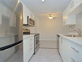 Photo 4: 212 2100 Granite Street in VICTORIA: OB South Oak Bay Condo Apartment for sale (Oak Bay)  : MLS®# 374766