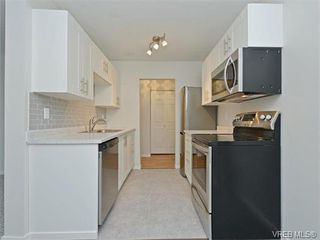 Photo 6: 212 2100 Granite Street in VICTORIA: OB South Oak Bay Condo Apartment for sale (Oak Bay)  : MLS®# 374766