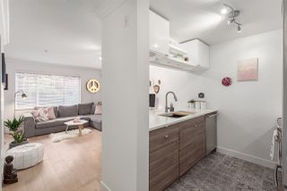 """Photo 2: 101 929 W 16TH Avenue in Vancouver: Fairview VW Condo for sale in """"Oakview Gardens"""" (Vancouver West)  : MLS®# R2146407"""