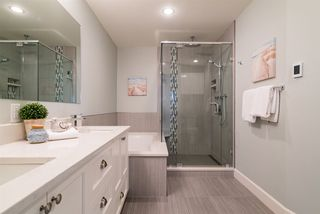 """Photo 18: 21652 47A Avenue in Langley: Murrayville House for sale in """"MURRAYVILLE"""" : MLS®# R2157676"""